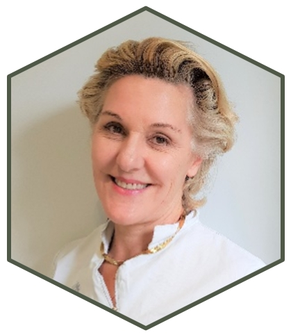 photo of Dr Lilian Ruzzene Stroud specialist in oral surgery Gloucestershire Cotswolds